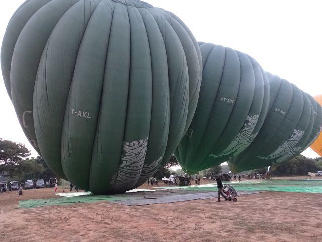 Mongolfiera su Bagan Myanmar
