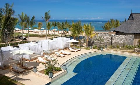 St Regis piscina  Pamm Travel